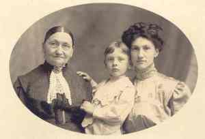 Yegerlehner, Elizabeth (Schwartz) Yegerlehner with Russell & Sophia (Yegerlehner) Thatcher - c1910