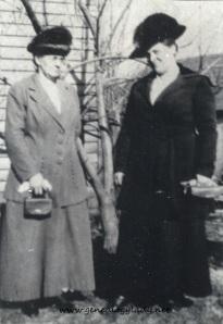 Yegerlehner, Lovina (Schiele) with Susan (Schiele) Schwartz - c1910s