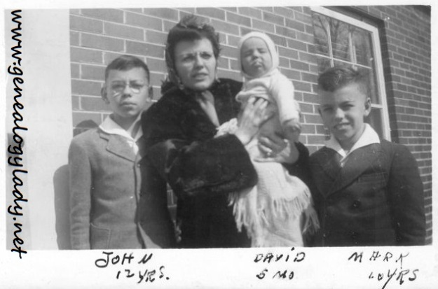 1943-02  - Yegerlehner, Gladys, John, Mark and David
