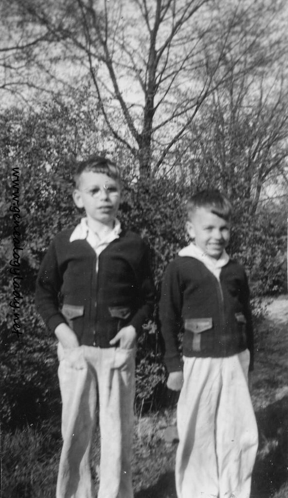 YEG1940 John & Mark