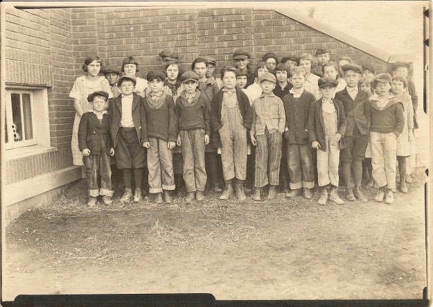 Clay County school c1920s (Photograph from the collection of Deborah Sweeney)