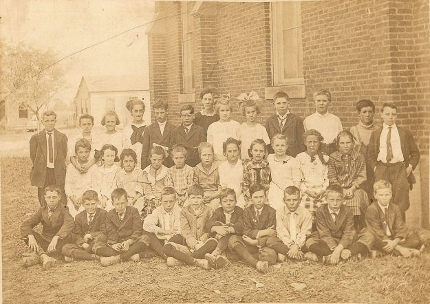 Clay City High School c1918-1922 (Photograph from the private collection of Deborah Sweeney)