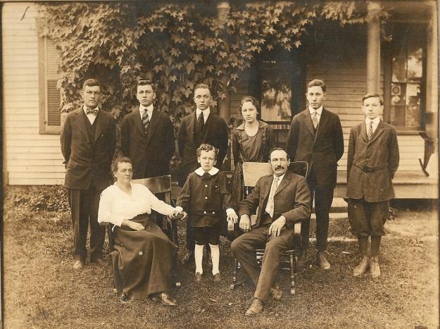YEG1918 John Henry & family
