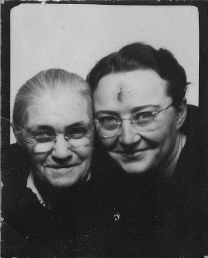 FOS1940s - Emma & Juanita