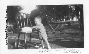 YEG1943-09-23 Birthday party #1