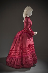 Woman's_Promenade_Dress_LACMA_M.2007.211.773a-d_(5_of_5)