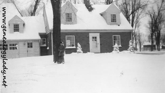 YEG1944-02 - Mark in snow