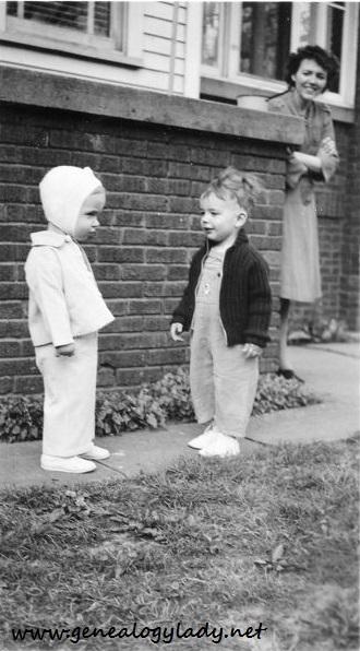 YEG1944-04-30 Gladys Yegerlehner (R) David (middle)