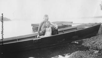 YEG1944-08-23 - John & David