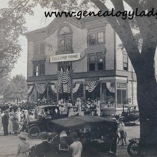 LEONARD1919 Avon Square #1