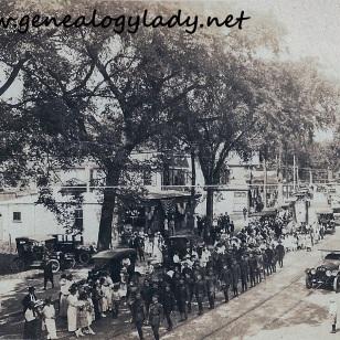LEONARD1919 Avon Square #3